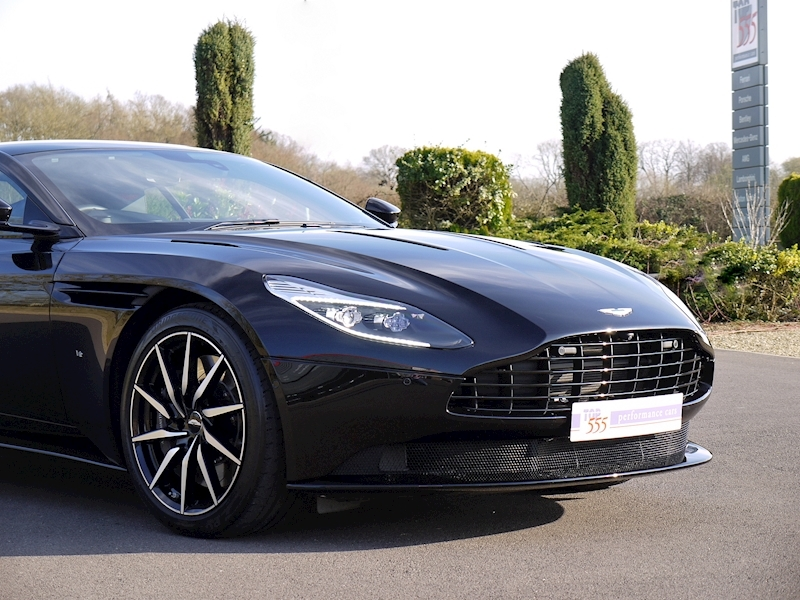 Aston Martin DB11 V12 - Launch Edition - Large 28