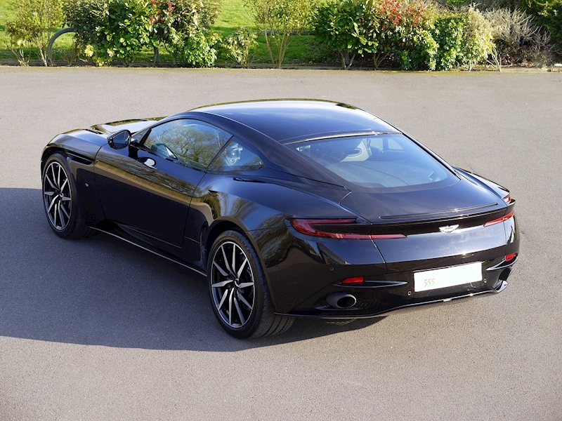 Aston Martin DB11 V12 - Launch Edition - Large 29
