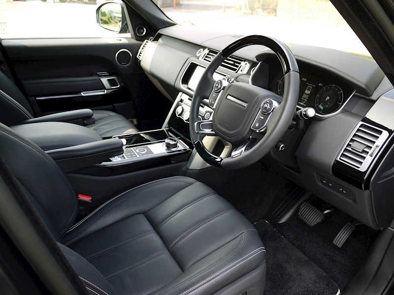 Land Rover Range Rover 4.4 SDV8 Autobiography - Large 1