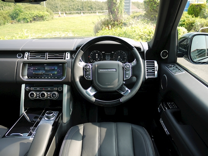 Land Rover Range Rover 4.4 SDV8 Autobiography - Large 24