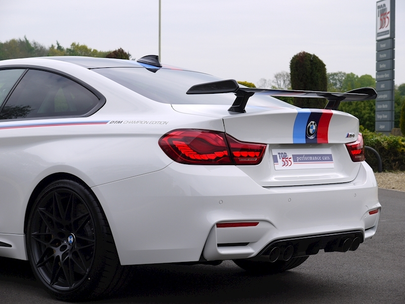 BMW M4 DTM Champion Edition - Large 43