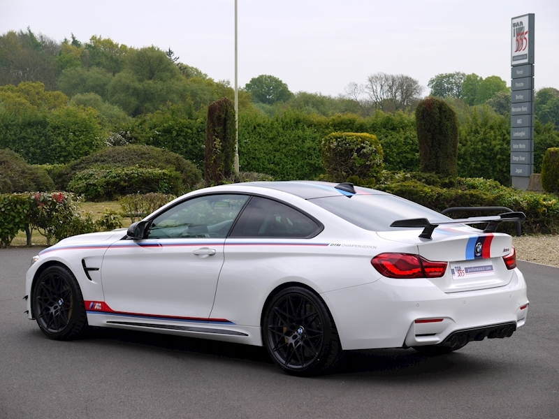 BMW M4 DTM Champion Edition - Large 44