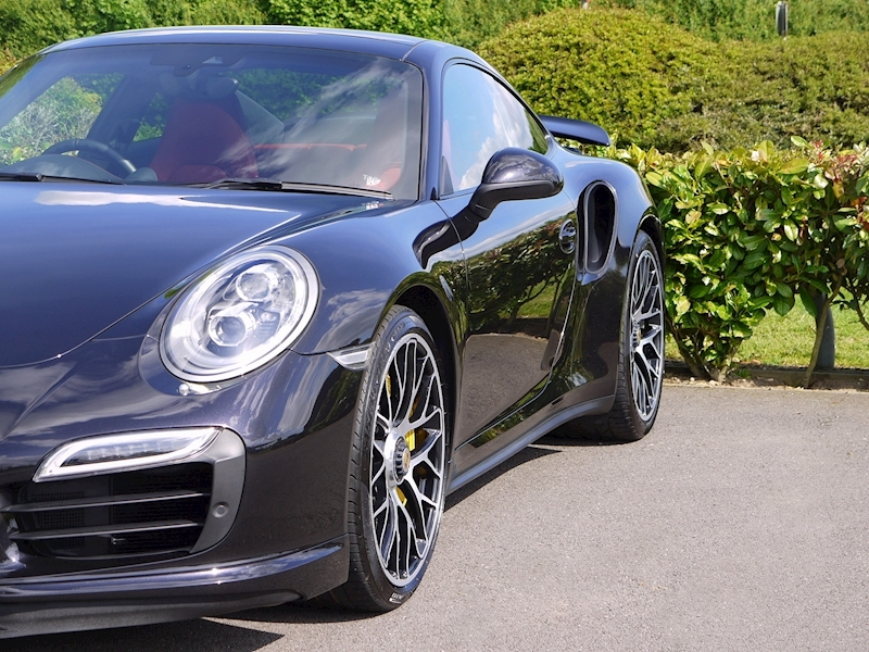 Porsche 911 (991) Turbo S Coupe 3.8 PDK - Large 18