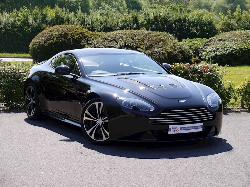 Aston Martin V12 Vantage Carbon Black Edition - Large 21