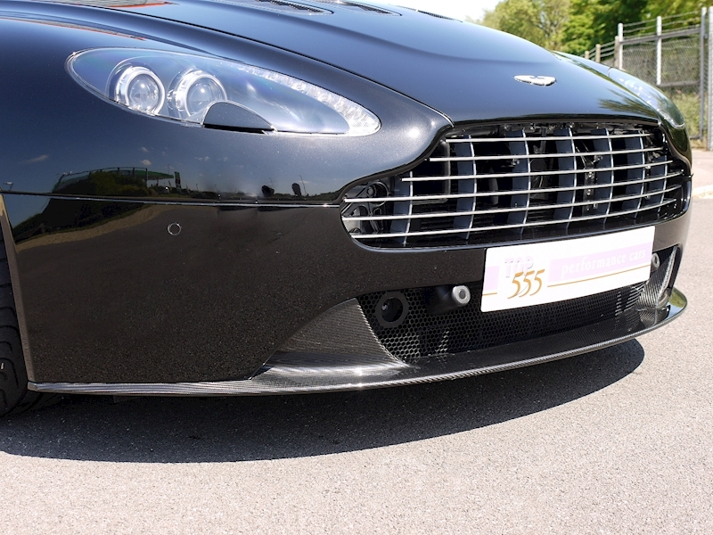Aston Martin V12 Vantage Carbon Black Edition - Large 20