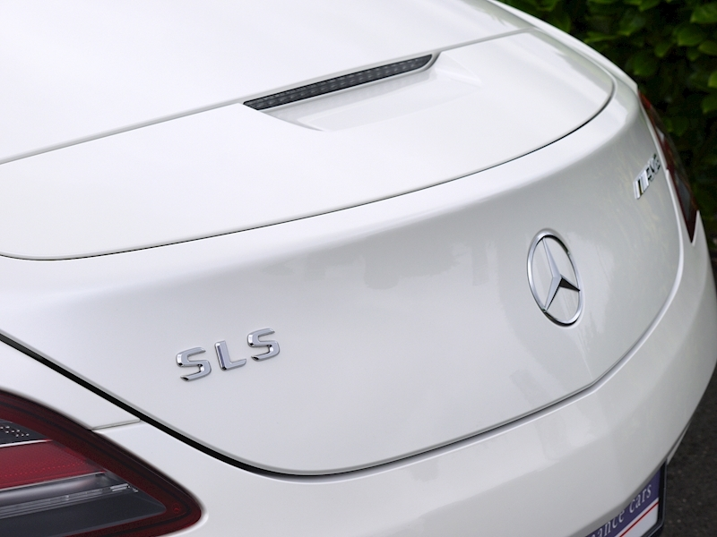 Mercedes-Benz SLS AMG Roadster 6.2 - Large 4