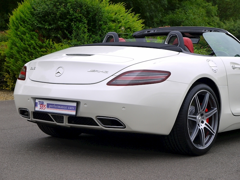 Mercedes-Benz SLS AMG Roadster 6.2 - Large 16
