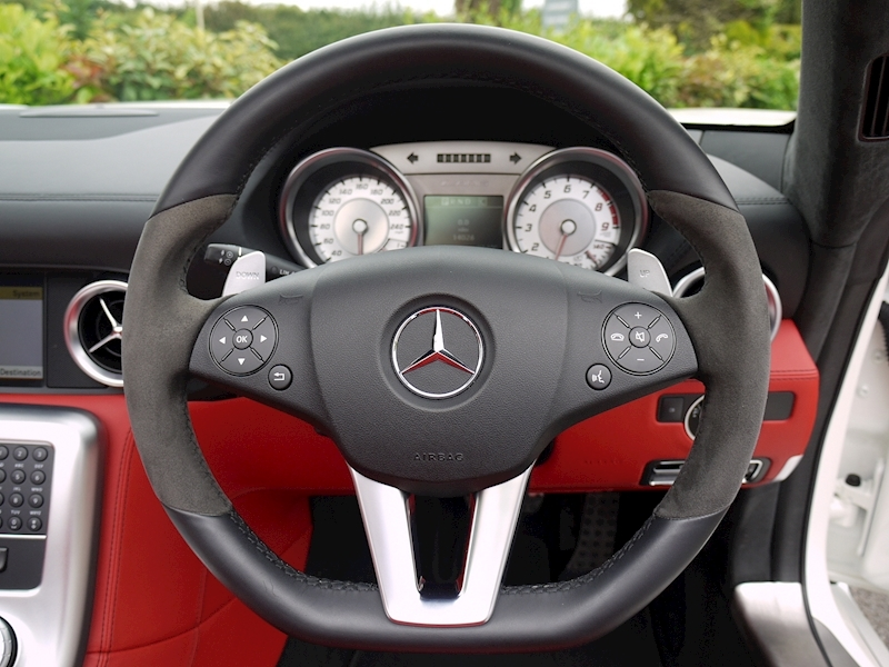 Mercedes-Benz SLS AMG Roadster 6.2 - Large 31
