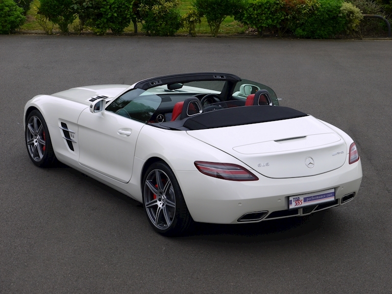 Mercedes-Benz SLS AMG Roadster 6.2 - Large 39