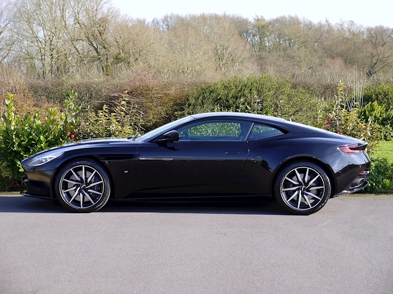 Aston Martin DB11 V12 - Launch Edition - Large 2