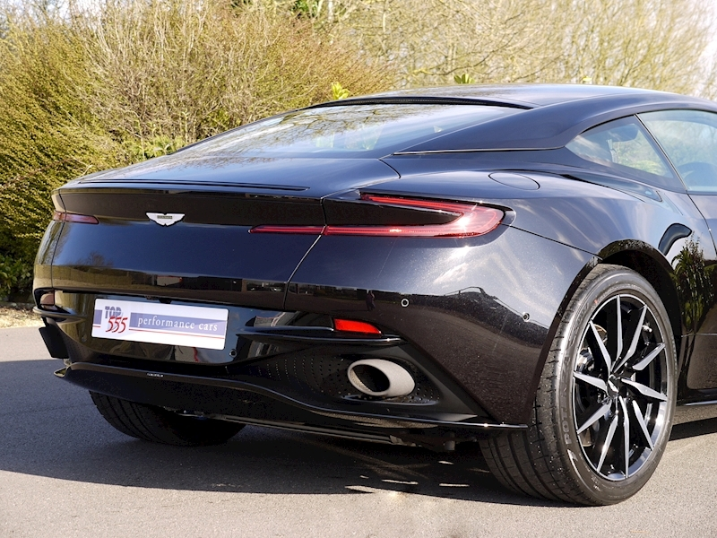 Aston Martin DB11 V12 - Launch Edition - Large 9