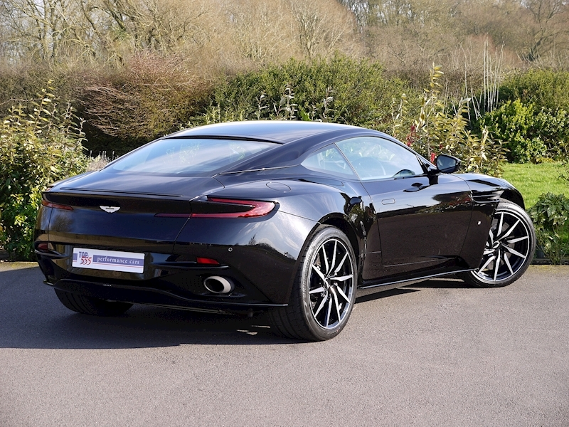 Aston Martin DB11 V12 - Launch Edition - Large 21