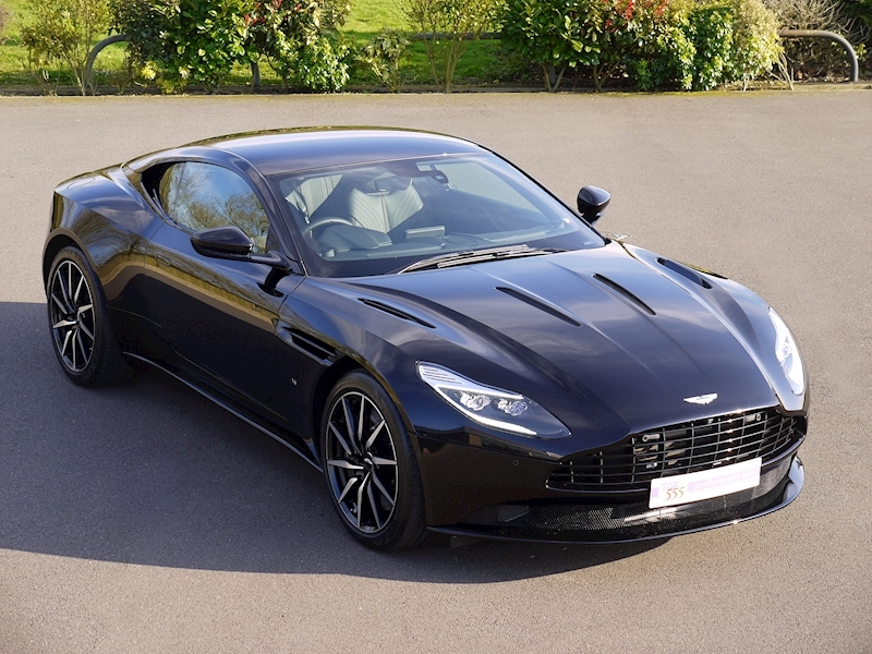 Aston Martin DB11 V12 - Launch Edition - Large 0