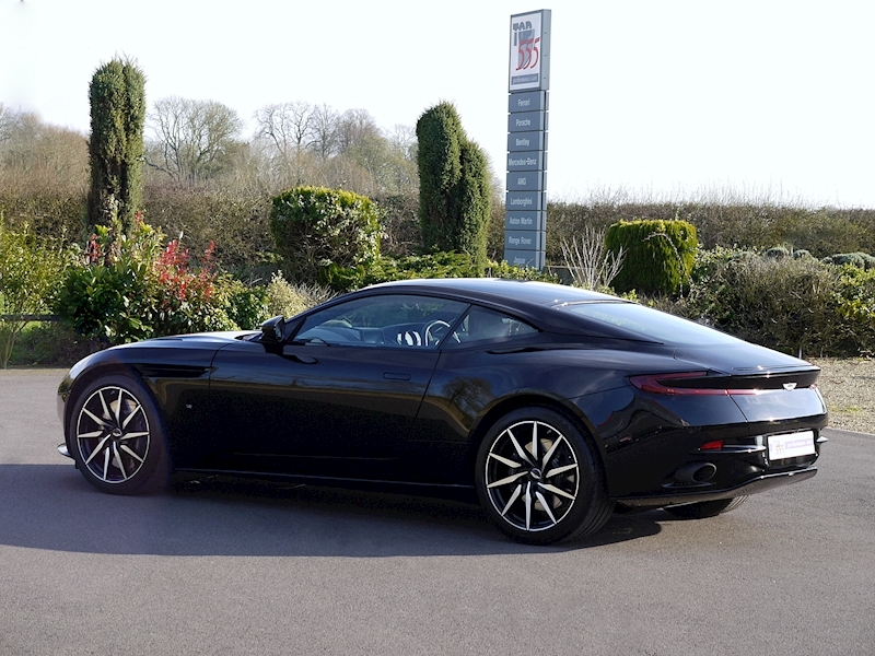 Aston Martin DB11 V12 - Launch Edition - Large 30