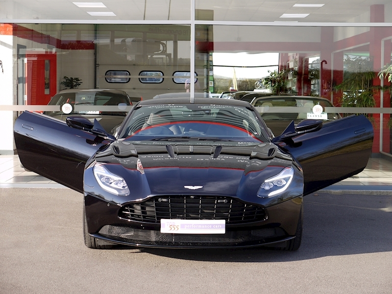 Aston Martin DB11 V12 - Launch Edition - Large 32