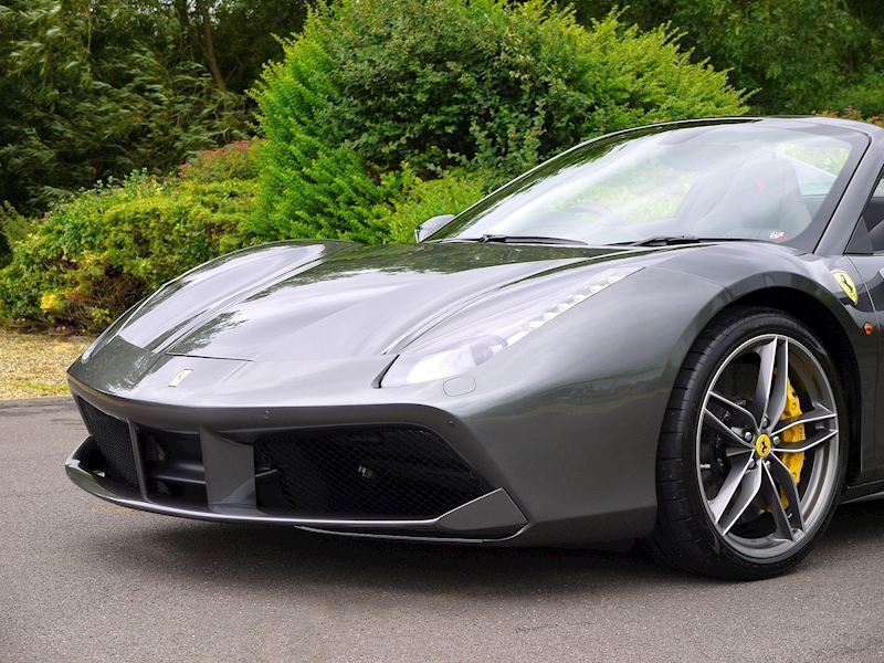 Ferrari 488 Spider - Large 28