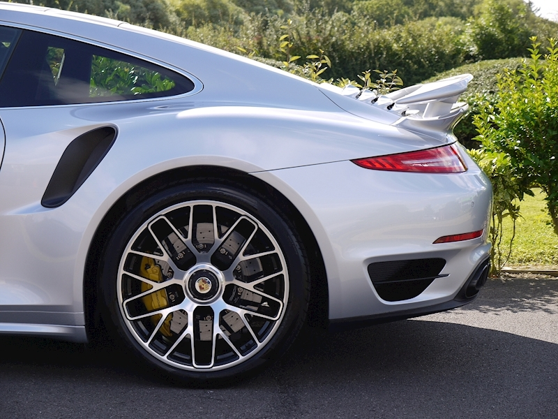 Porsche 911 (991) Turbo S Coupe 3.8 PDK - Large 4