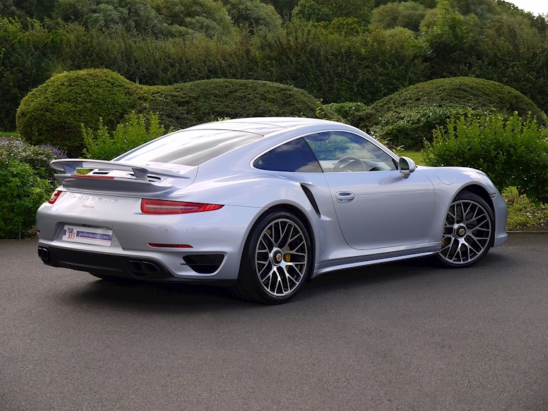 Porsche 911 (991) Turbo S Coupe 3.8 PDK - Large 24