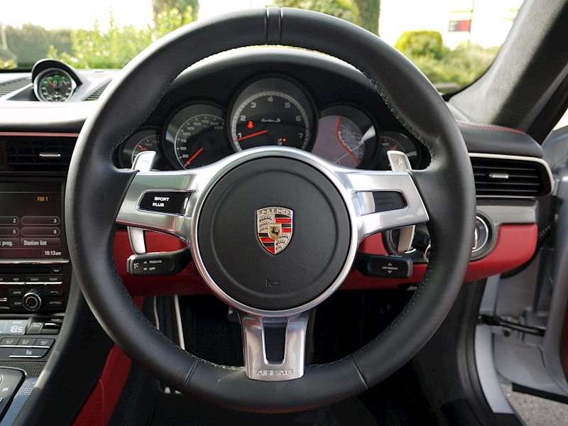 Porsche 911 (991) Turbo S Coupe 3.8 PDK - Large 25