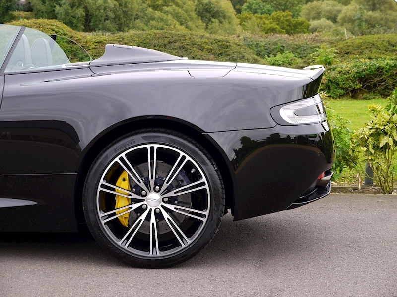 Aston Martin DB9 Volante 'Carbon Edition' Touchtronic 2 - Large 4