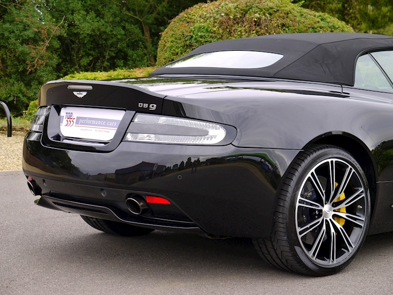 Aston Martin DB9 Volante 'Carbon Edition' Touchtronic 2 - Large 12
