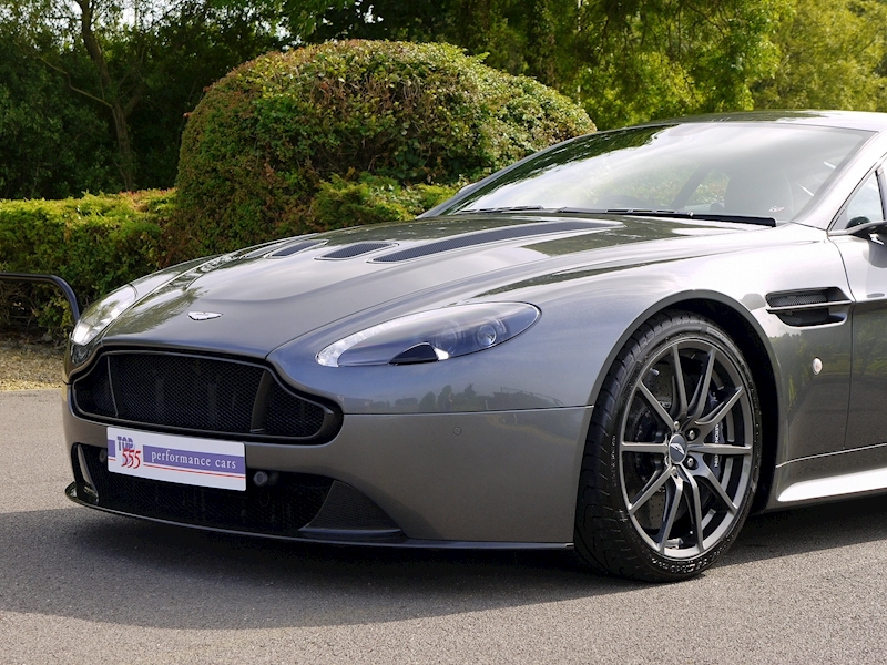 Aston Martin V12 Vantage S - Manual - Large 21