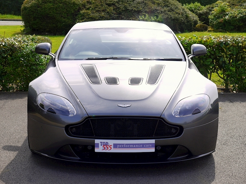 Aston Martin V12 Vantage S - Manual - Large 23