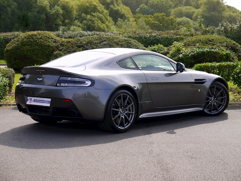 Aston Martin V12 Vantage S - Manual - Large 29
