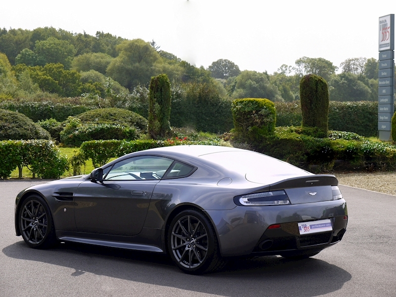 Aston Martin V12 Vantage S - Manual - Large 39