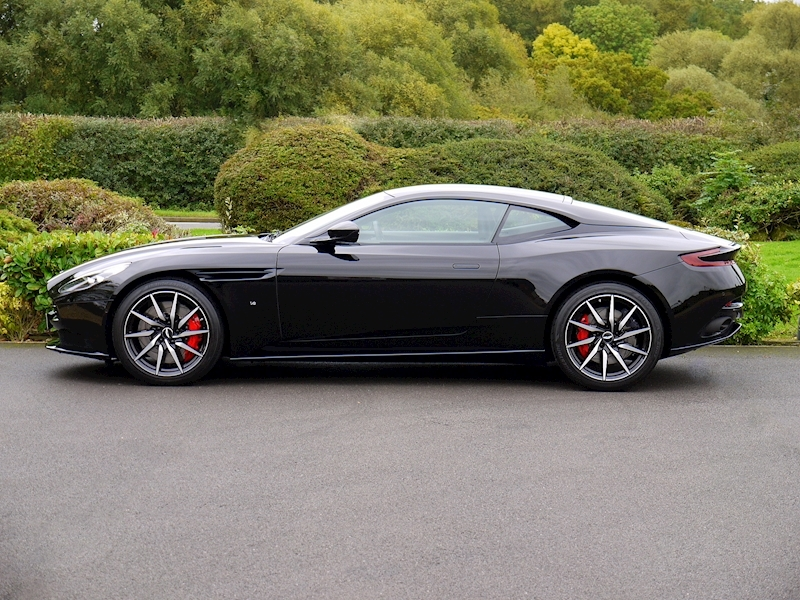 Aston Martin DB11 V12 'LAUNCH EDITION' - Large 2