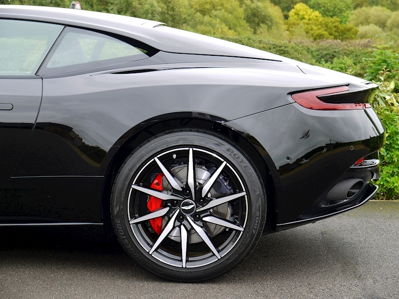 Aston Martin DB11 V12 'LAUNCH EDITION' - Large 8