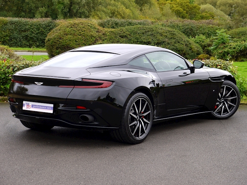 Aston Martin DB11 V12 'LAUNCH EDITION' - Large 23