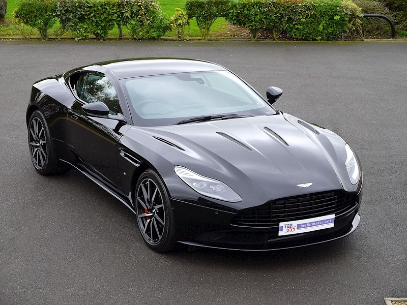 Aston Martin DB11 V12 'LAUNCH EDITION' - Large 0