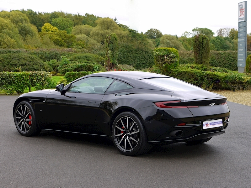 Aston Martin DB11 V12 'LAUNCH EDITION' - Large 32