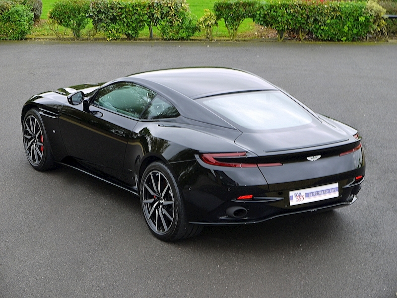 Aston Martin DB11 V12 'LAUNCH EDITION' - Large 33
