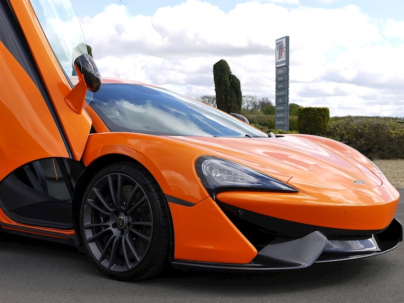Mclaren 570S Coupe - Large 20