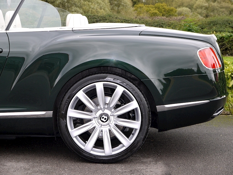 Bentley Continental W12 GTC Mulliner - Large 4