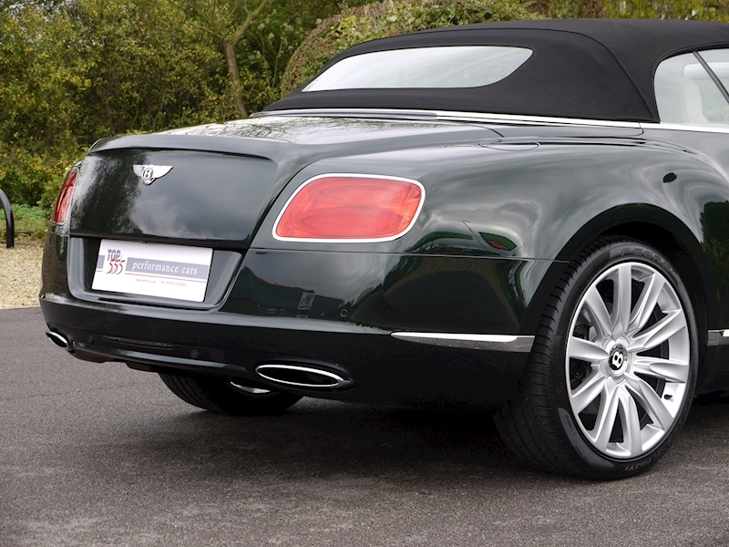 Bentley Continental W12 GTC Mulliner - Large 14