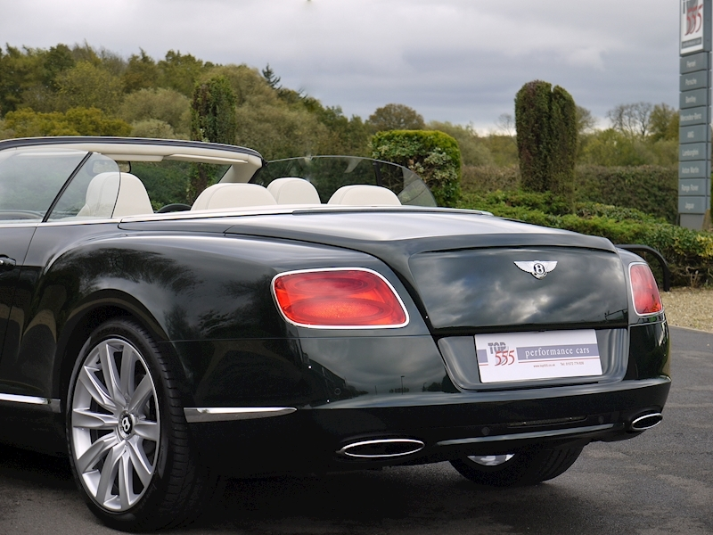Bentley Continental W12 GTC Mulliner - Large 37