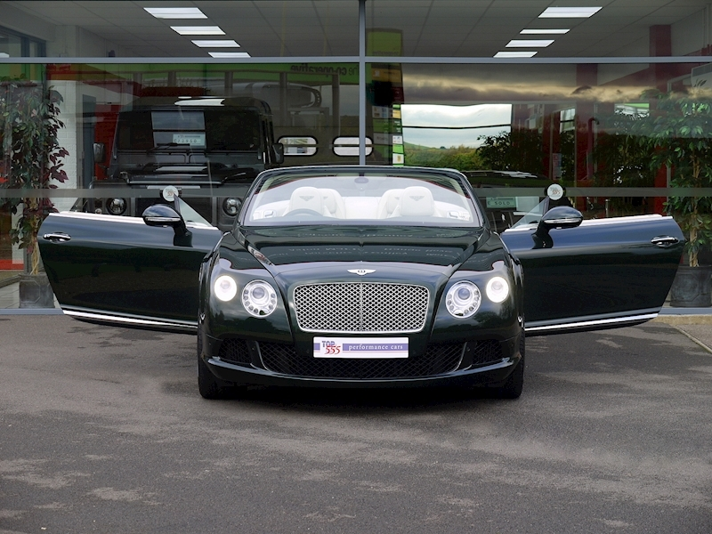 Bentley Continental W12 GTC Mulliner - Large 38