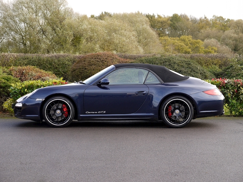 Porsche 911 (997) Carrera GTS 3.8 Cabriolet Manual - Large 2
