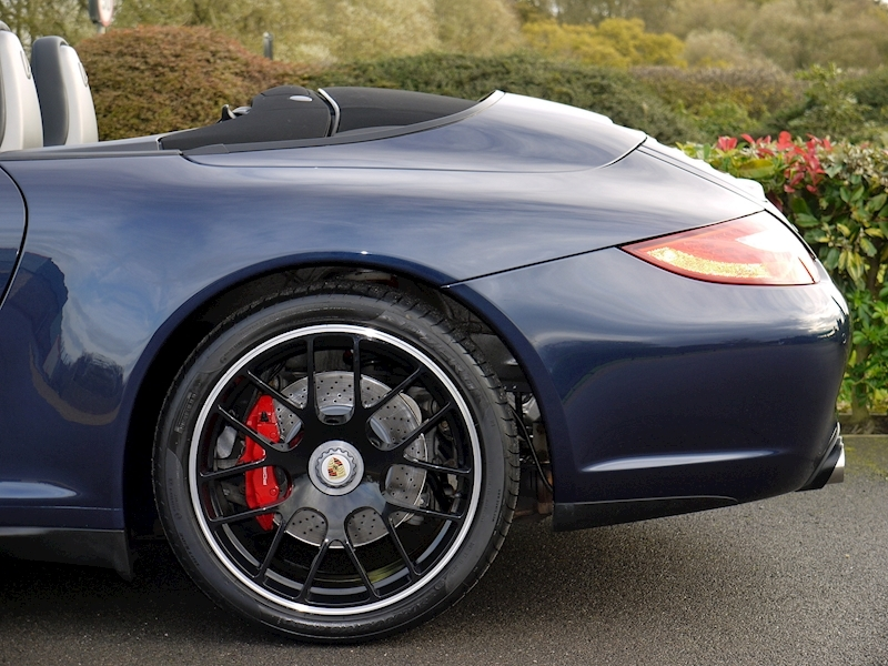 Porsche 911 (997) Carrera GTS 3.8 Cabriolet Manual - Large 4