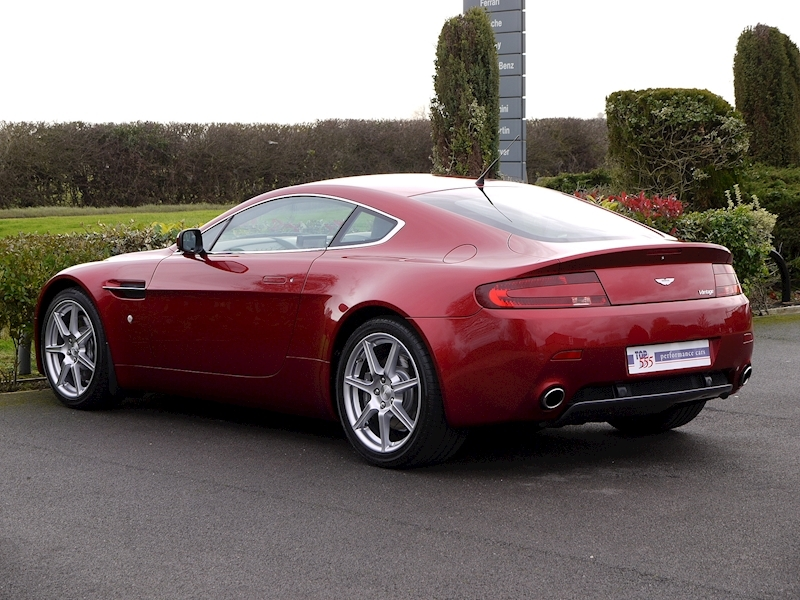 Aston Martin V8 Vantage 4.3 Manual - Large 9