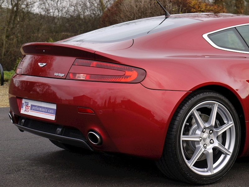 Aston Martin V8 Vantage 4.3 Manual - Large 10