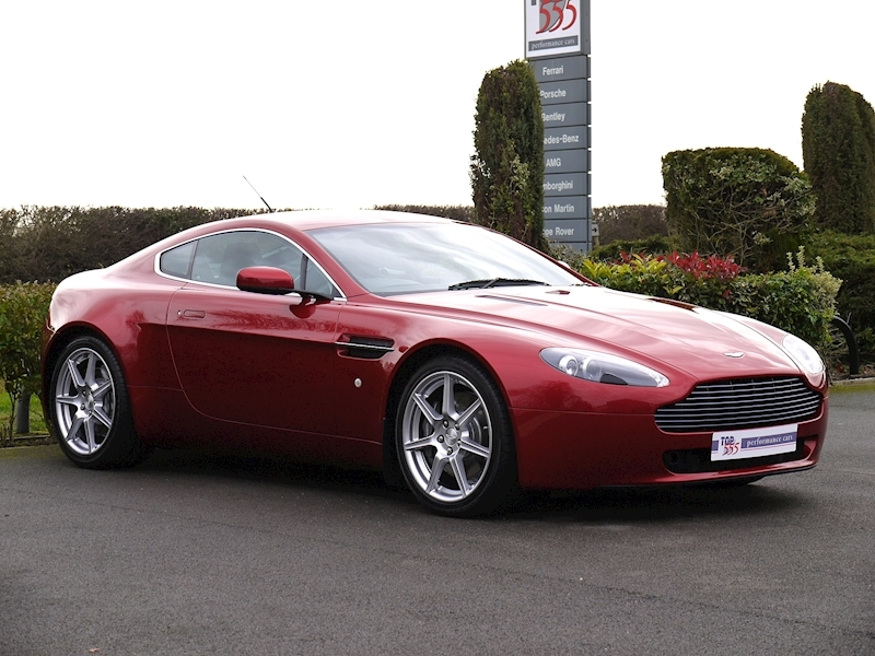 Aston Martin V8 Vantage 4.3 Manual - Large 16