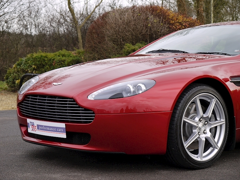 Aston Martin V8 Vantage 4.3 Manual - Large 17
