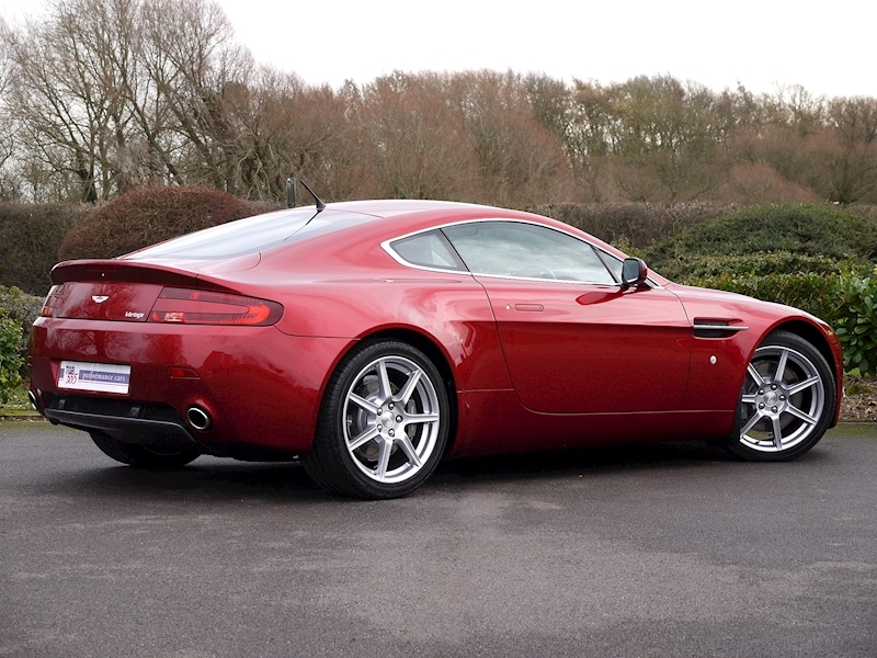 Aston Martin V8 Vantage 4.3 Manual - Large 23