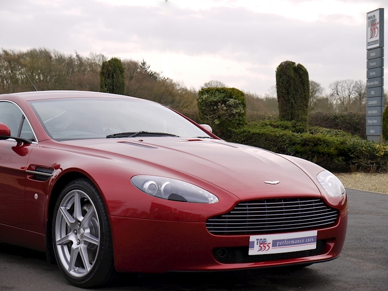 Aston Martin V8 Vantage 4.3 Manual - Large 31