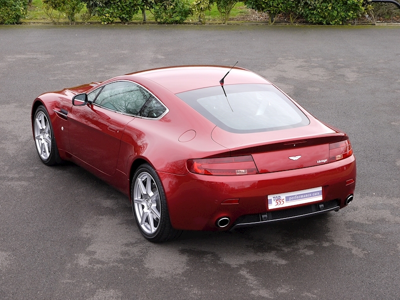 Aston Martin V8 Vantage 4.3 Manual - Large 32