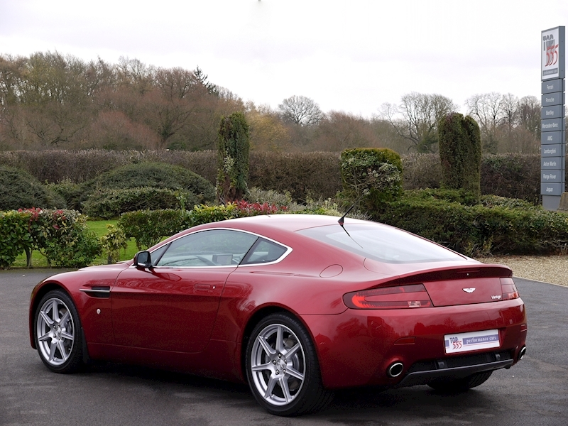 Aston Martin V8 Vantage 4.3 Manual - Large 33